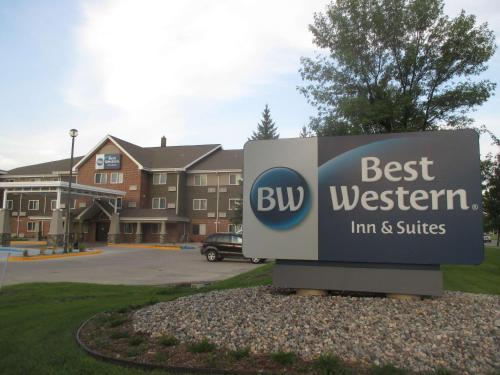 Best Western Harvest Inn & Suites Photo