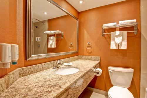Best Western Plus Toronto North York Hotel & Suites photo 36