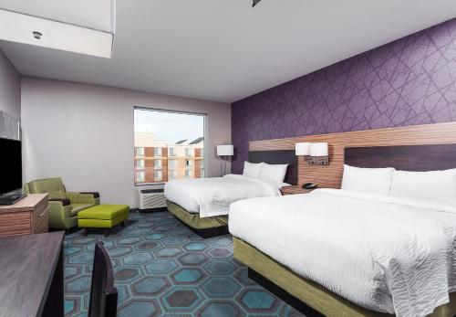 TownePlace Suites by Marriott Chicago Schaumburg Photo