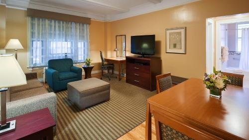 Best Western Plus Hospitality House Suites photo 21