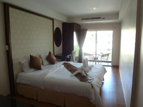 Maleez Lodge Hotel & Restaurant - pattaya -