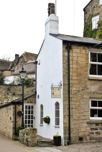 Waterside, Knaresborough HG5 9AZ, England.
