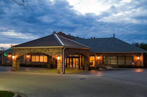 Best Western Plus Antioch Hotel & Suites