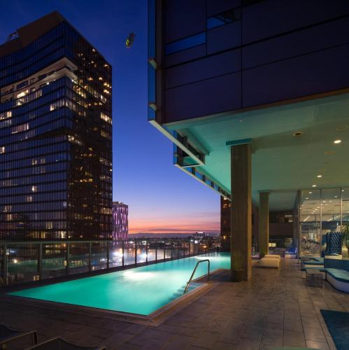 Downtown Highrise Luxury Living - Los Angeles, CA 90015