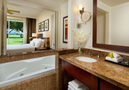 The Westin Princeville Ocean Resort Villas Photo