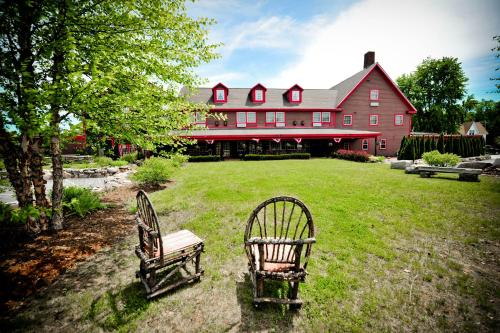 The Common Man Inn & Spa Photo