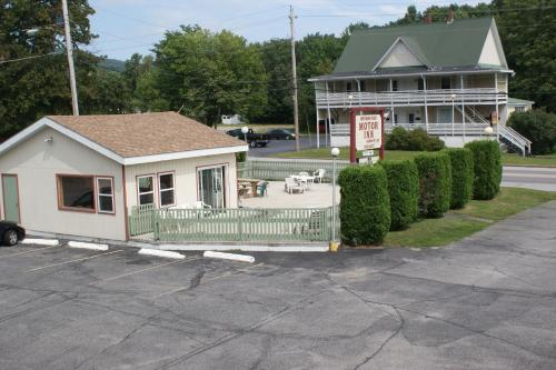 Northern Peaks Motor Inn Photo