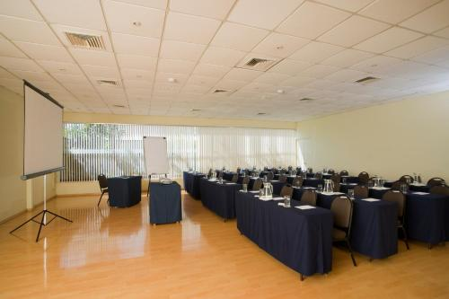 Radisson San Isidro Hotel & Suites Photo