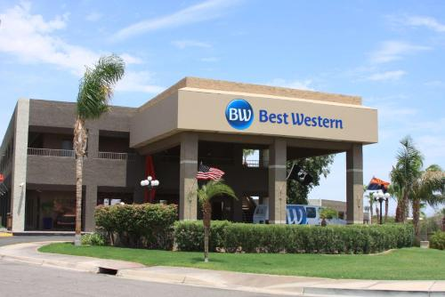 Best Western InnSuites Yuma Mall Hotel & Suites Photo