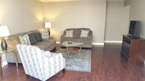 Fully renovated 1min to Melrose Ave. - West Hollywood, CA 90069