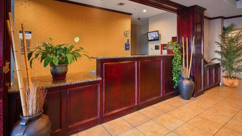 Best Western Lockhart Hotel & Suites Photo