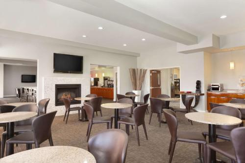 Best Western PLUS Peppertree Inn at Omak Photo