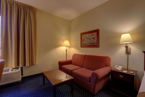 SureStay Plus Hotel by Best Western Chicago Lombard Photo