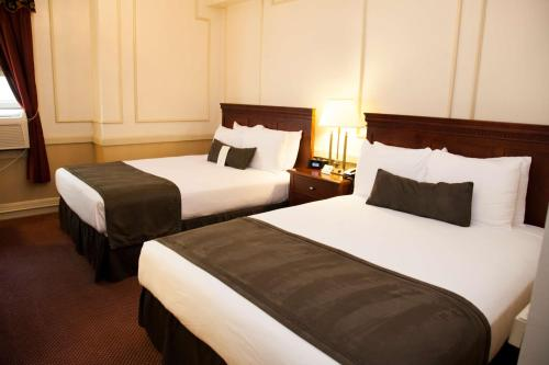 SureStay Signature Collection Genetti Hotel by Best Western Photo