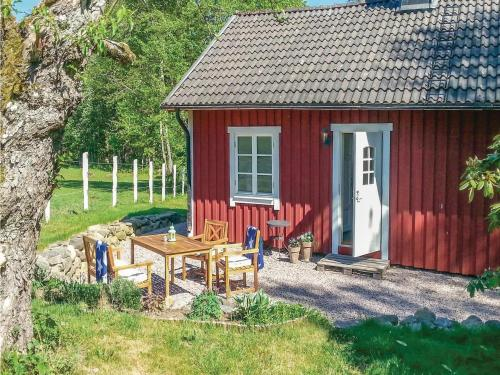 One-Bedroom Holiday Home in Ljungby, 永比