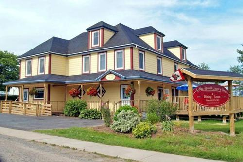 A Macdonald Country Inn