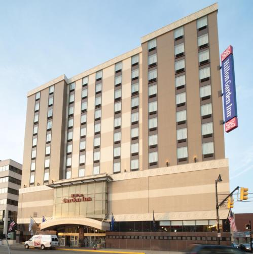 Hilton Garden Inn Pittsburgh University Place Photo