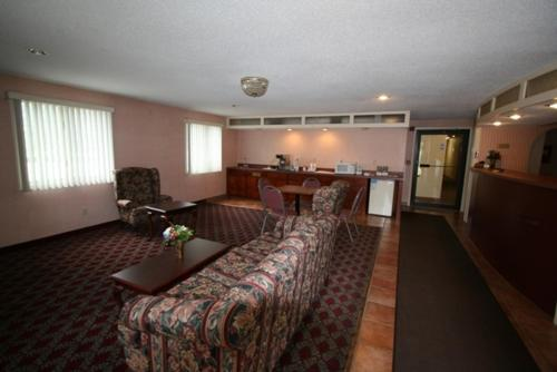 Executive Inn Orange Photo