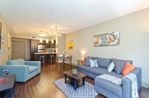 Charming Hollywood Walk of Fame Suite - Los Angeles, CA 90028