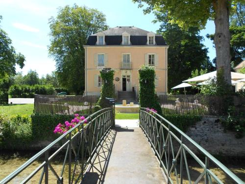 Auberge Ct Rivire