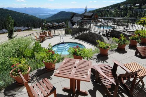 Schweitzer Mountain Resort White Pine Lodge - Sandpoint, ID 83864