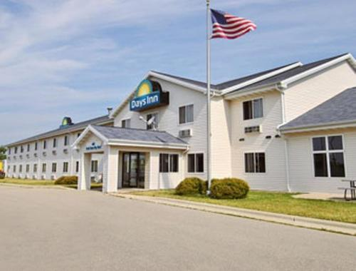 Days Inn Neenah Photo