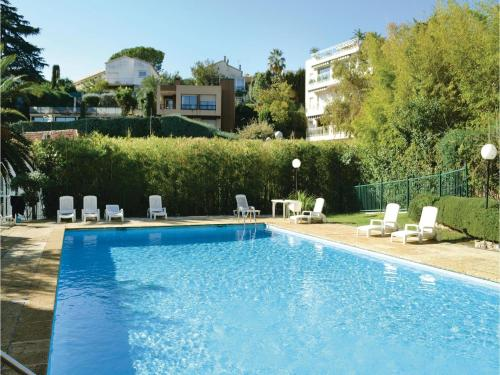 One-Bedroom Apartment in Nice photo 3