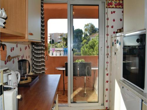 One-Bedroom Apartment in Nice photo 8