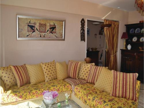 One-Bedroom Apartment in Nice photo 9