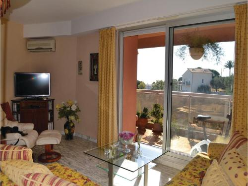 One-Bedroom Apartment in Nice photo 21