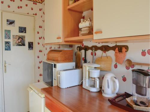 One-Bedroom Apartment in Nice photo 25