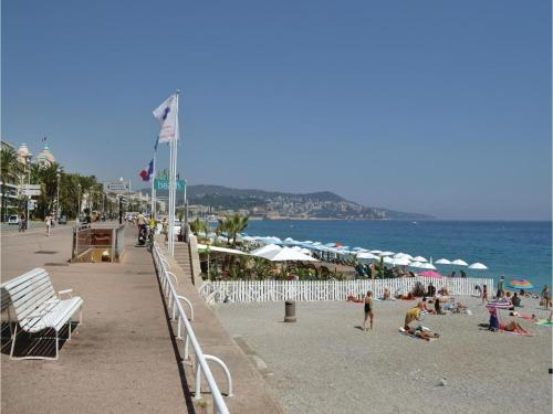 One-Bedroom Apartment in Nice photo 35