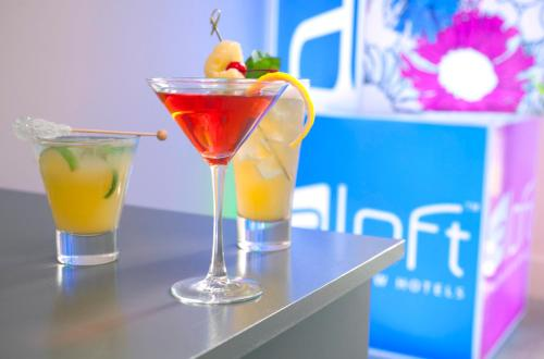 aloft Hotel Leawood Overland Park Photo