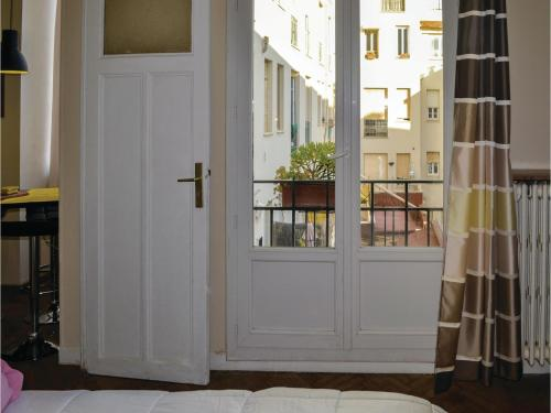 One-Bedroom Apartment in Nice photo 7