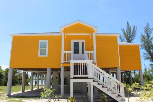 Mango Beach House, Cherokee Sound