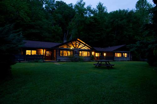 Creekwalk Inn Bed and Breakfast with Cabins Photo