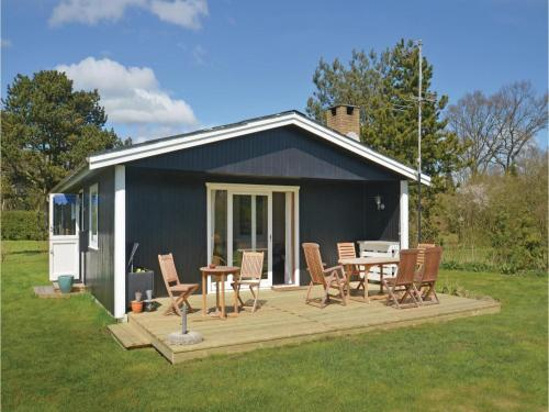 Three-Bedroom Holiday home Væggerløse with a Fireplace 06, Bøtø By
