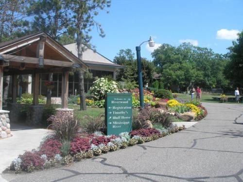 Riverwood Inn & Conference Center