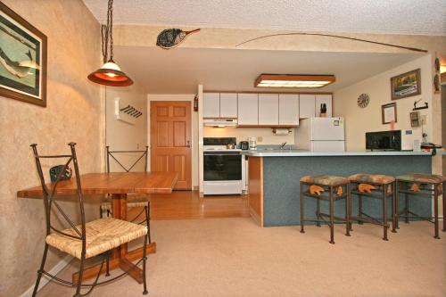 Trails End Condominiums By Great Western Lodging - Breckenridge, CO 80424