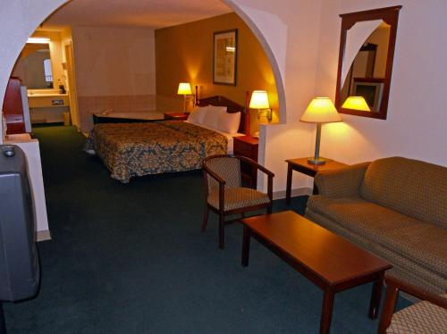 Country Hearth Inn & Suites Dawson Photo