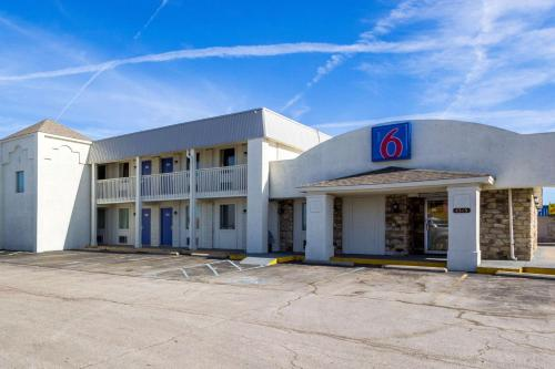 Motel 6 Indianapolis, S. Harding St. photo 2
