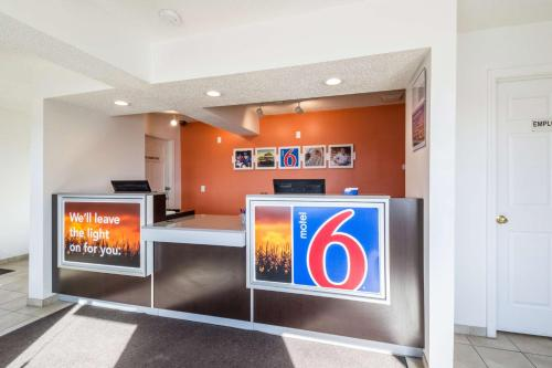 Motel 6 Indianapolis, S. Harding St. photo 11
