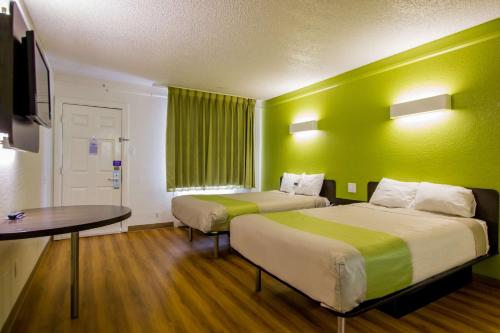 Motel 6 Austin Midtown Photo