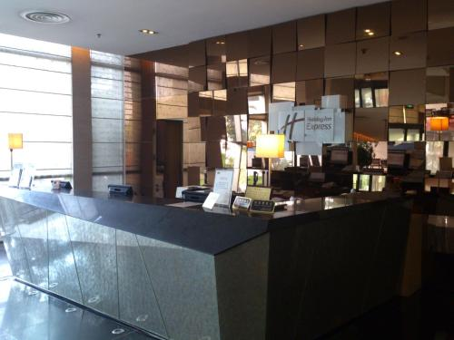 Holiday Inn Express Meilong Shanghai photo 22