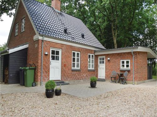 Holiday home Hodde with Fireplace, Tistrup