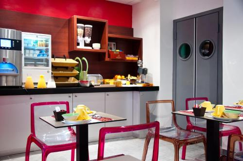 ibis Styles Paris Pigalle photo 15