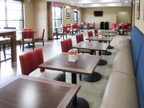Comfort Suites Greenville South - Piedmont, SC 29673