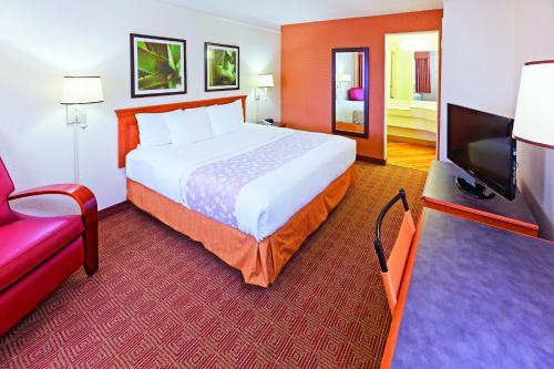 La Quinta Inn San Antonio Sea World Ingram Park Photo