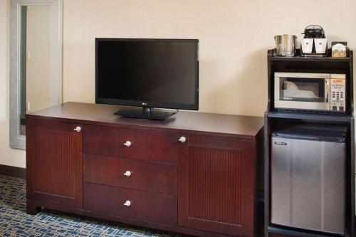 DoubleTree by Hilton Baltimore - BWI Airport Photo