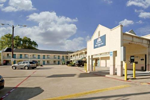 Americas Best Value Inn McKinney Photo